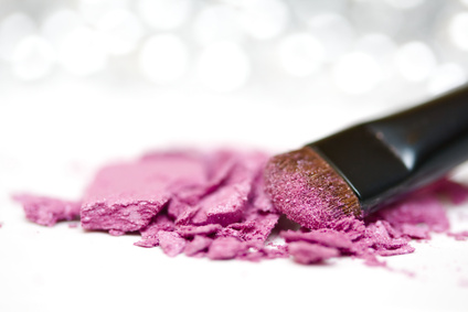 Eyeshadow powder and brush